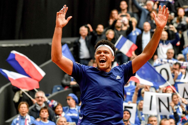Jo-Wilfried Tsonga s'est chargé de décrocher le point... (PHOTO AFP)
