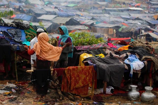 Quelque 412 000 réfugiés sont arrivés au Bangladesh,... (REUTERS)