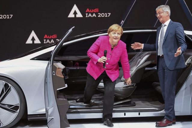 Em campagne électrorale, la chancellière allemande Angela Merkel... (Photo : AFP)