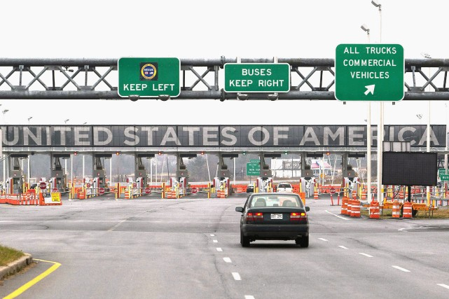 The United States border crossing is shown Wednesday,... (ARCHIVES PC)