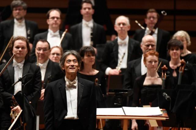 Le chef d'orchestre Kent Nagano et les musiciens... (Photo Bernard Brault, Archives La Presse)