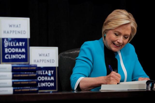DansÇa s'est passé comme ça,Hillary Clinton raconte de... (Photo Andrew Kelly, archives Reuters)