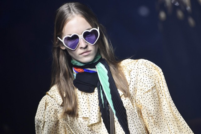 Une création signée Gucci présentée à la Fashion... (Agence France-Presse)