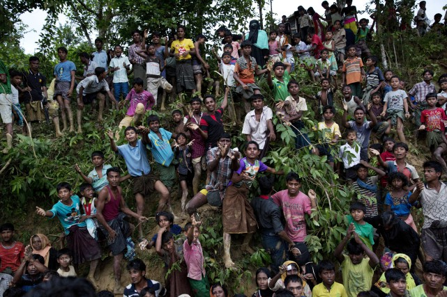 Plus de 400 000 Rohingyas ont fui la... (PHOTO AP)