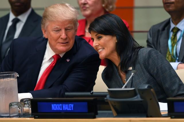 Le président américain a précisé qu'il allait envoyer... (PHOTO AFP)