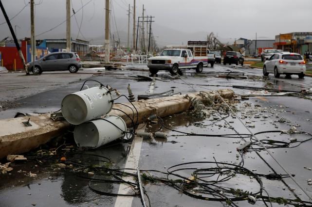 Le réseau électrique a été très profondemment endommagé... (PHOTO Carlos Garcia Rawlins, REUTERS)