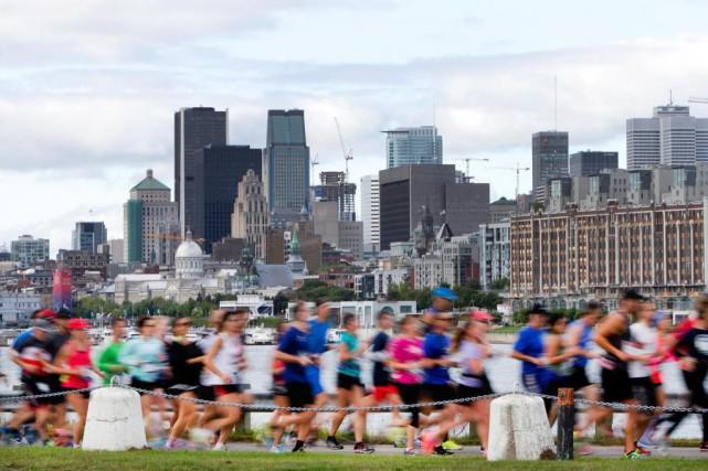 «L'an dernier, pendant le marathon de Montréal, il... (PHOTO ROBERT SKINNER, Archives LA PRESSE)