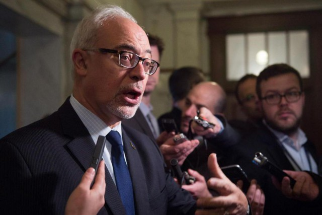 Carlos Leitão, ministre des Finances... (Photo Jacques Boissinot, Archives La Presse canadienne)