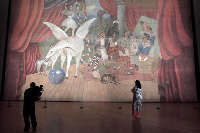 Parade, la pièce maîtresse de l'exposition Picasso entre... (PHOTO AFP)