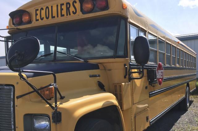 ce qu 39 il faut savoir avant d 39 acheter un autobus scolaire m lissa viau 100 original. Black Bedroom Furniture Sets. Home Design Ideas