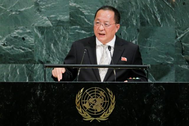 Le chef de la diplomatie nord-coréenne, Ri Yong... (PHOTO Eduardo Munoz, REUTERS)