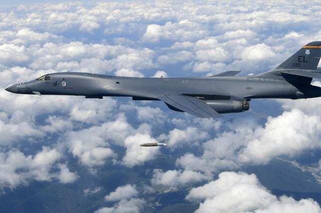 La mission effectuée notamment par un bombardier B-1B... (PHOTO ARCHIVES AP)