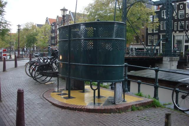 Unurinoir public à Amsterdam.... (PHOTO WIKICOMMONS)