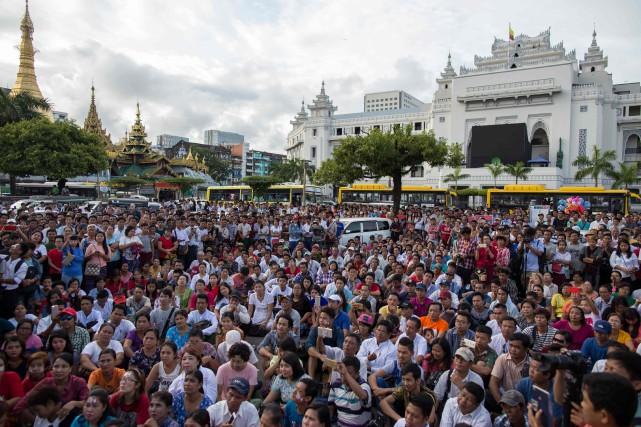 Aujourd'hui, hindous et bouddhistes accusent les Rohingyas d'avoir... (AFP)