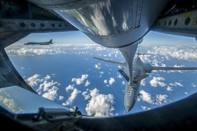 Un bombardierB-1B américain a survolé la Corée du... (ARCHIVES AFP)