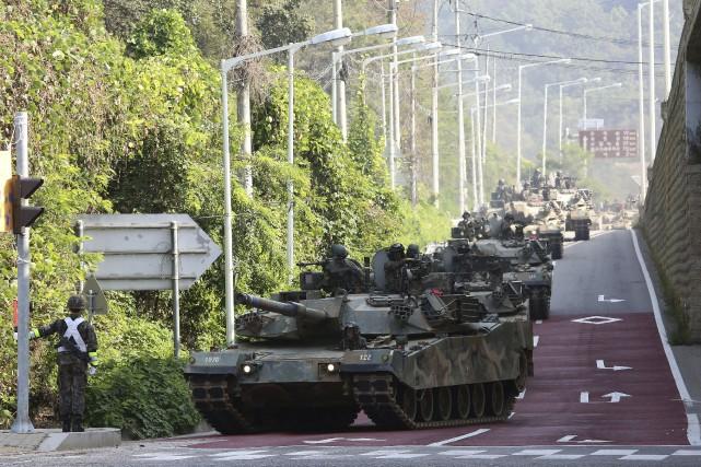 Des chars sud-coréens participent à un exercice militaire... (AP)