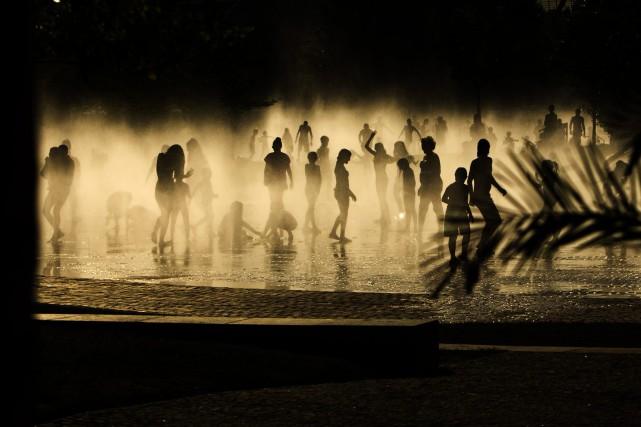 Les vagues de chaleur qui ont affecté cet été le sud de l'Europe portent bien... (PHOTO ARCHIVES AP)