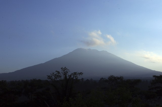Le mont Agung, à un peu plus de... (PHOTO AP)