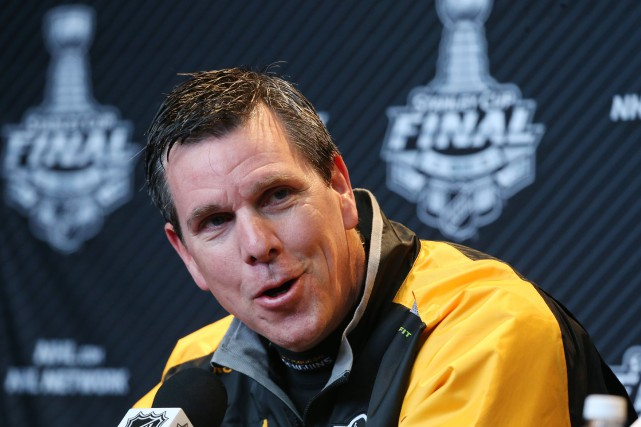 L'entraîneur-chef des Penguins de Pittsburgh, Mike Sullivan.... (PHOTO REUTERS)