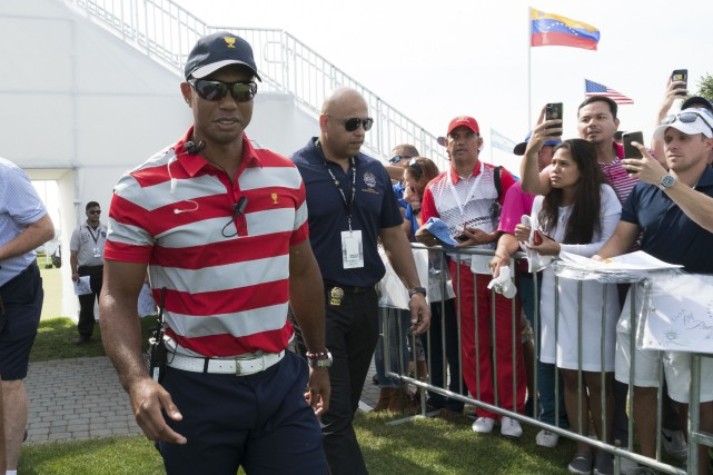 Tiger Woods agit comme capitaine adjoint des États-Unis à... (Photo Bill Streicher, USA Today Sports)