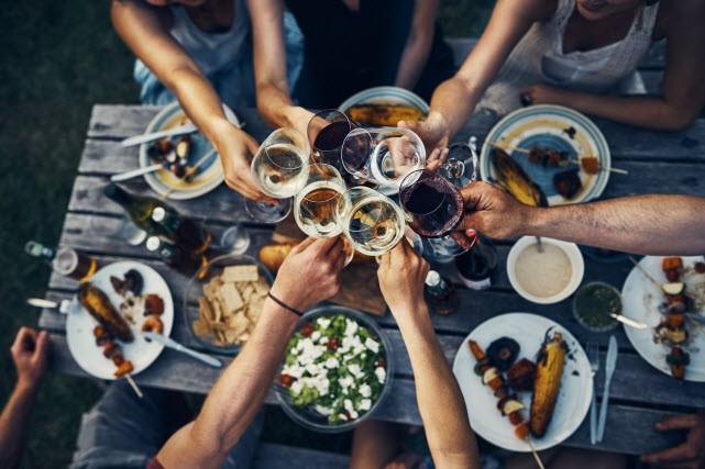 Avec la vaste sélection offerte sur les tablettes, choisir un vin ou un...