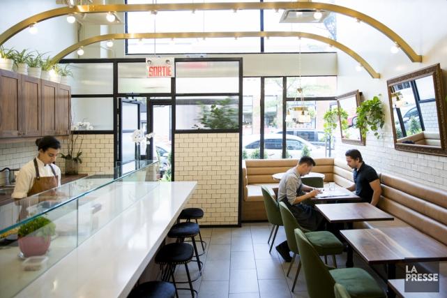 Le Café Bazin est un petit café moderne,... (PHOTO MARCO CAMPANOZZI, LA PRESSE)