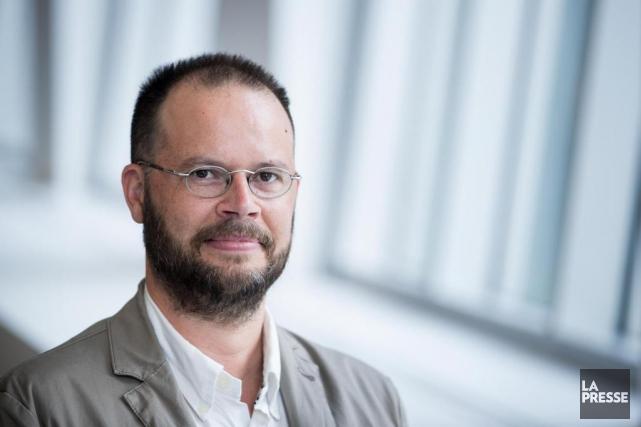 Mathieu Bélisle est membre du comité de rédaction de la revue... (PHOTO MARCO CAMPANOZZI, LA PRESSE)