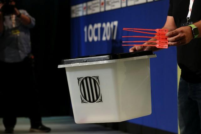 «Finalement il y aura 2315 bureaux de vote»... (REUTERS)