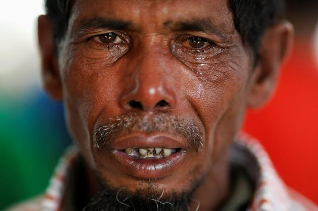 Lalu Miya pleure la mort de sa femme... (PHOTO Damir Sagolj , REUTERS)