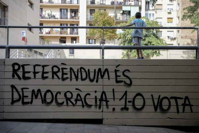 La volonté de Madrid d'empêcher la tenue du... (PHOTO Josep LAGO, AFP)