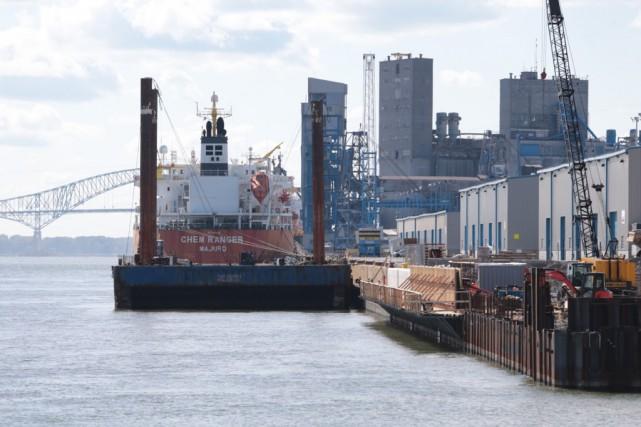 Un marin port disparu trois rivi res gabriel delisle for Reparation porte et fenetre trois rivieres