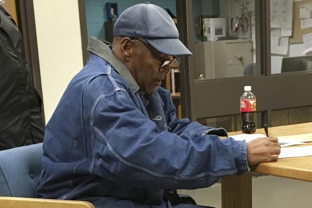 O.J. Simpson, 70 ans, a quitté le pénitencier... (Photo Associated Press)