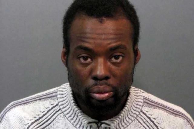 Accusé du meurtre prémédité de James Bustillo, Roody...