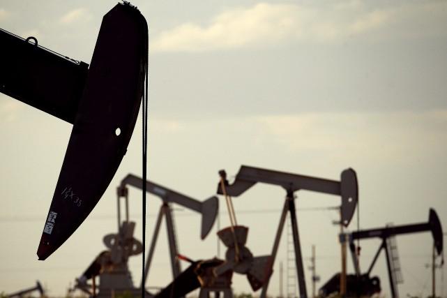 «La forte baisse des stocks de brut était... (PHOTO ARCHIVES AP)