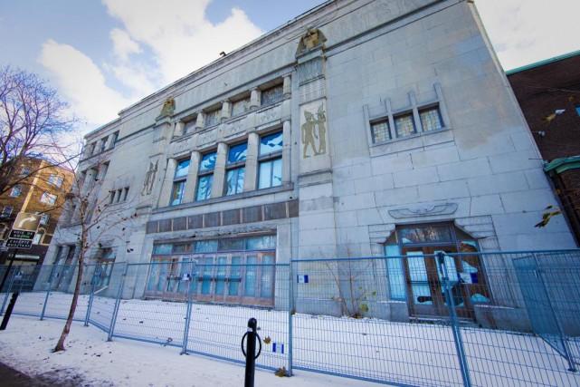 L'ancien théâtre Empress demeure fermé depuis un incendie... (photo andré pichette, archives la presse)