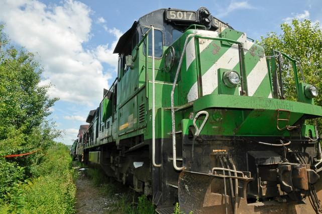 Un bris mécanique sur la locomotive de tête 5017 avait été signalé à l'atelier...