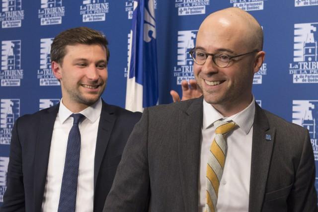Leco-porte-parole de Québec solidaire,Gabriel Nadeau-Dubois, etle chef d'Option... (Photo Jacques Boissinot, PC)