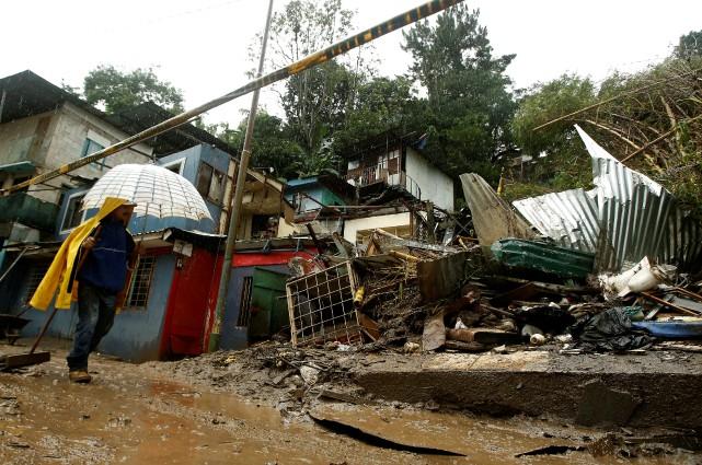 Au Costa Rica, où les inondations ont poussé... (PHOTO REUTERS)