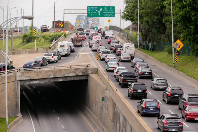 La circulation automobile sera réduite à une seule... (Photo David Boily, Archives La Presse)