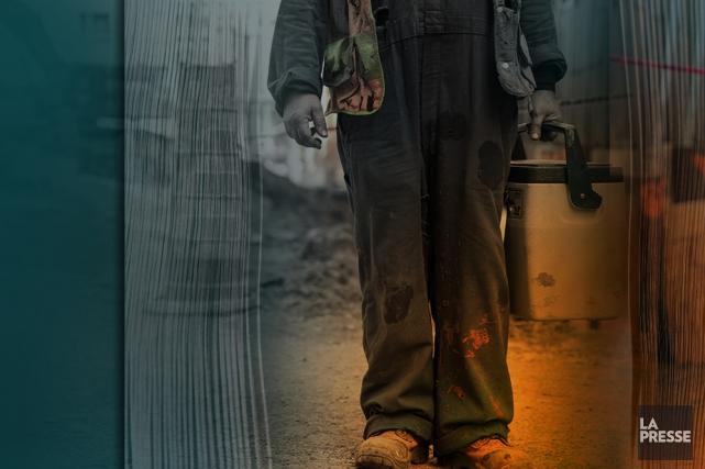 Qu'est devenu le personnage de l'ouvrier dans la littérature d'aujourd'hui?... (Photomontage La Presse)
