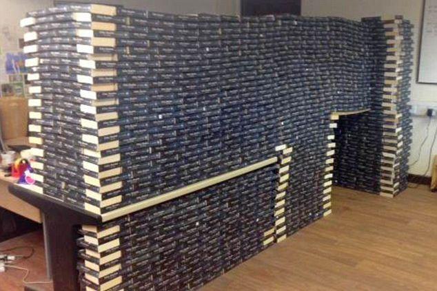 Les exemplaires du roman Fifty Shades of Grey... (Photo fournie par Wales News Service)