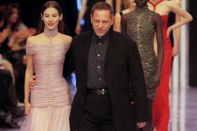 Le couturier français Hervé L. Leroux, célèbre dans... (PHOTO ARCHIVES AFP)