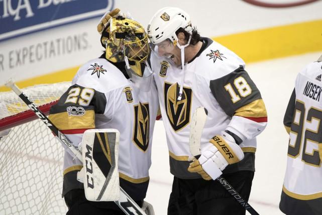 James Neal et le gardien Marc-André Fleury savourent... (Photo Jerome Miron, USA TODAY Sports)