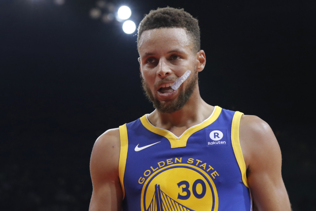 La star du basket Stephen Curry estime qu'il... (PHOTO AP)