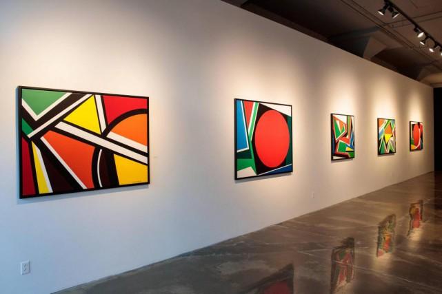 La galerie D'Este expose ces cinq acryliques sur... (Photo Hugo-Sébastien Aubert, La Presse)