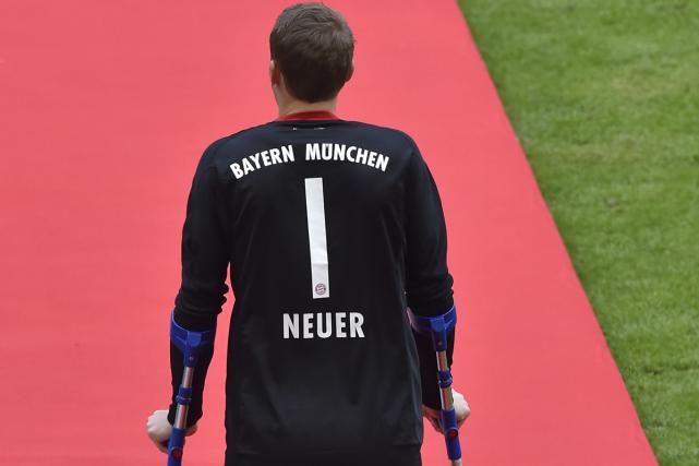 Le gardien allemand du Bayern Munich Manuel Neuer, opéré du pied et... (PHOTO ARCHIVES AFP)