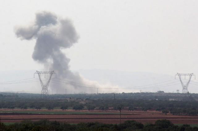 De la fumée provenant d'un bombardement sur le... (Photo Omar haj kadour, archives Agence France-Presse)