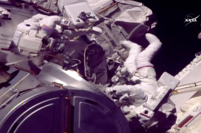 La caméra de la Station spatiale internationale a... (Photo AP)
