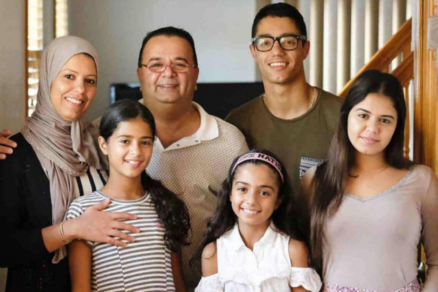 Nadia et Ghassan Alasaad et leurs enfants... (Photo fournie parl'American Civil Liberties Union)