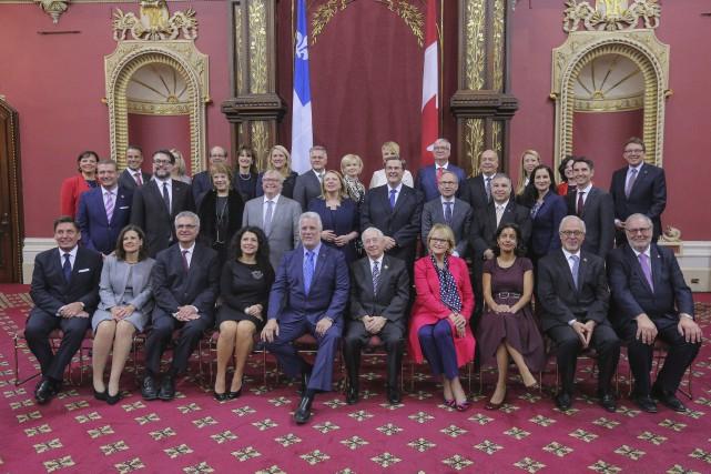 Le premier ministre Philippe Couillard a procédé mercredi... (Photo Francis Vachon, PC)